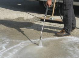 Lavaggio stradale post incidente