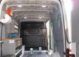 Allestimento furgoni per trasporto moto
