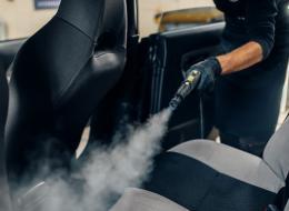 Lavaggio auto e sanificazione degli interni
