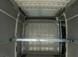 Allestimento per il trasporto di abiti appesi